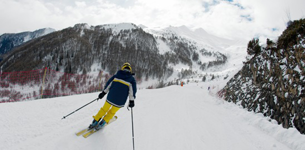 Lake Tahoe tips to buy your ski passes now
